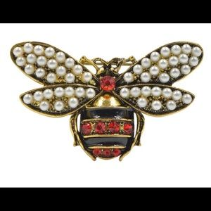 Gucci style brooch